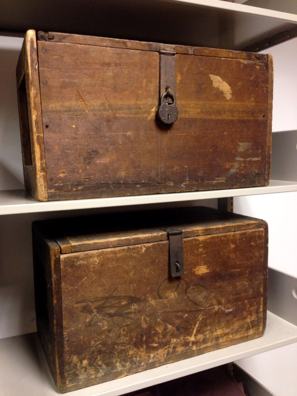 Traveling Library Chests